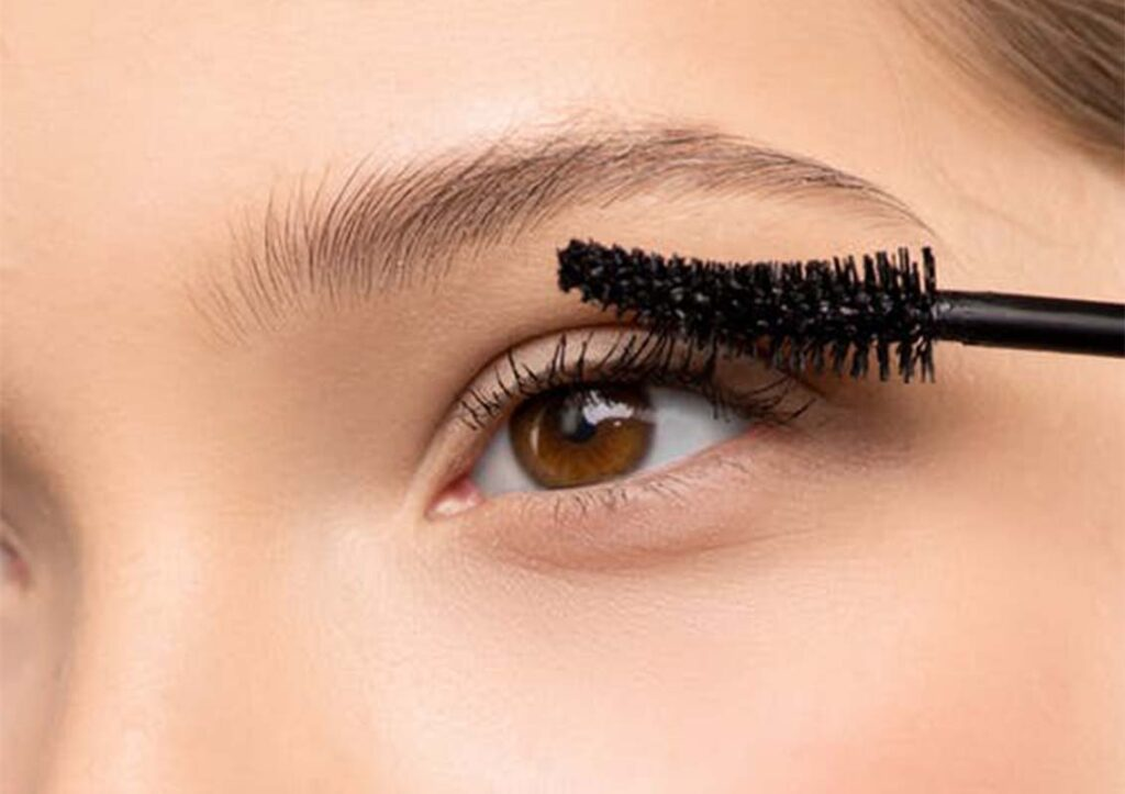 Makeup Mistakes With Mascaras